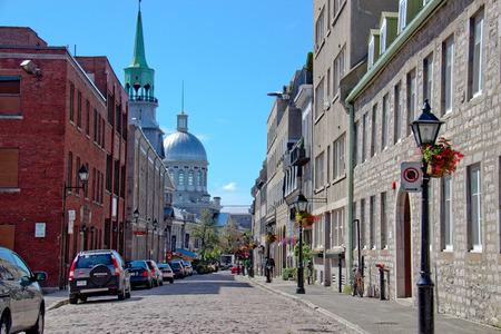 올드 몬트리올에있는 조용한 거리