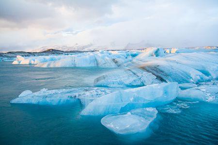 手配の氷山 写真素材