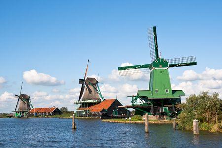 zaanse: Wind molens van de Zaanse Schans  Stockfoto
