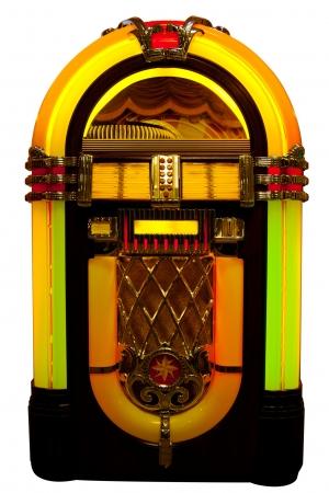 Retro jukebox die op wit wordt geïsoleerd