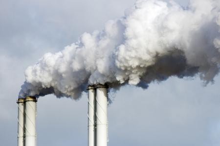 Fabriek pijpen roken emissie