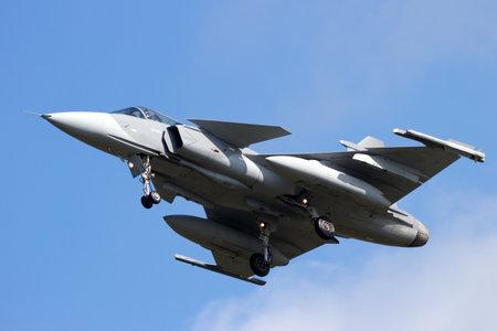 Gripen fighter jet landing