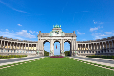 triumphal: Triumphal arch in the Parc du Cinquantenaire, Brussels, Belgium Stock Photo
