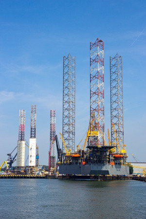 jack up: ROTTERDAM - JULY 9: Jack up rig Rowan Gorilla VI docked for repairs in the Port of Rotterdam.