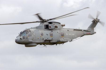 mago merlin: Schleswig-Jagel, Alemania - 22 de mayo: Marina Real brit�nica Merlin vuelo de helic�ptero durante el Tiger Meet OTAN en Schleswig-Jagel base a�rea. La reuni�n del tigre es promover la solidaridad entre las fuerzas a�reas de la OTAN Editorial