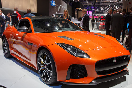 jaguar: GINEBRA, SUIZA - MARZO 1, 2016: Nuevo 2017 Jaguar F-Type SVR Coupe presentado en el 86º Salón Internacional de Ginebra en Palexpo, Ginebra. Editorial