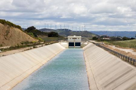 waterway: Irrigation canal