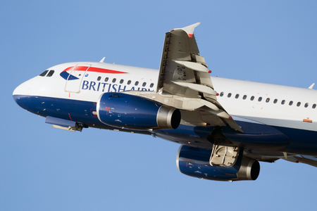 airbus: DUSSELDORF, GERMANY - DEC 16, 2016: British Airways Airbus A319-131 departing from Dusseldorf airport. Editorial