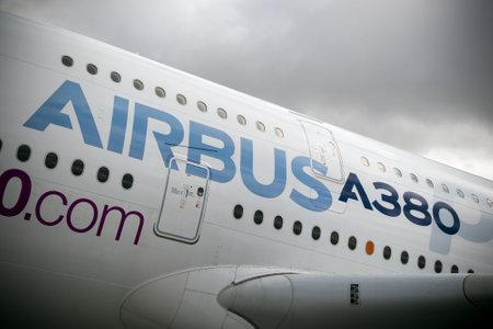 パリ航空ショー 2017 でパリ, フランス - 2017 年 6 月 23 日: エアバス A380 旅客機