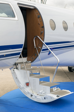 Business jet door entrance