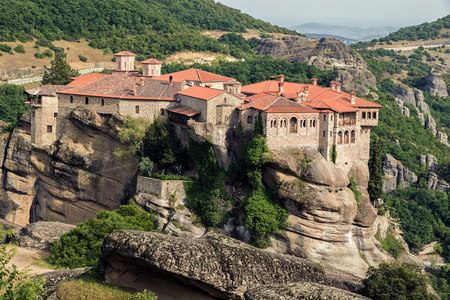 kalabaka: Scenic view of the Varlaam and Rousanou Monastery and its surrounding landscape in Meteora, Greece Stock Photo