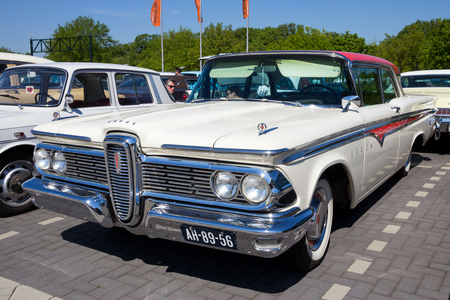 DEN BOSCH, THE NETHERLANDS - MAY 10, 2016: Vintage 1959 Ford Edsel classic car Редакционное