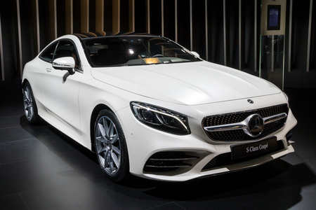 BRUSSELS - JAN 10, 2018: Mercedes Benz S-Class Luxury Coupe car shown at the Brussels Motor Show. Stok Fotoğraf - 94407715