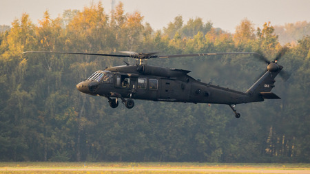 EINDHOVEN, THE NETHERLANDS - OCT 25, 2017: United States Army Sikorsky UH-60 Blackhawk transport helicopter in flight. Publikacyjne