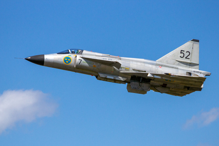 VOLKEL, THE NETHERLANDS - JUN 15, 2013: Former Swedish Air Force Saab 37 Viggen fighter jet in flight at the Dutch Air Force Open Day. 写真素材 - 115970808