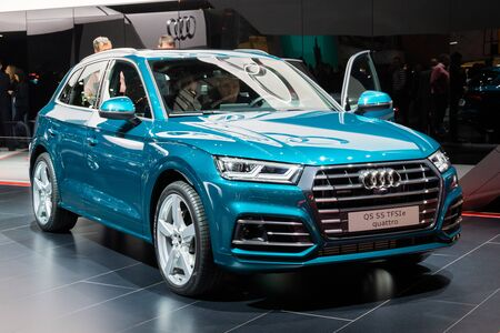 GENEVA, SWITZERLAND - MARCH 6, 2019: Audi Q5 car showcased at the 89th Geneva International Motor Show. Redactioneel