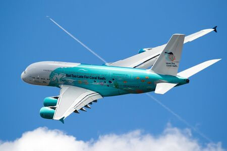 LE BOURGET PARIS - 21. JUNI 2019: Save The Coral Reefs Special Livree Airbus A380 Passagierflugzeug auf der Paris Air Show. Editorial