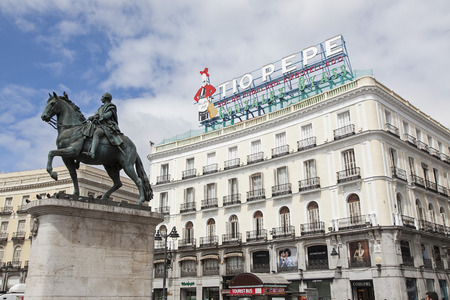 to pepe: The  Tio Pepe  sign is again in La Puerta del Sol square, Madrid, Spain