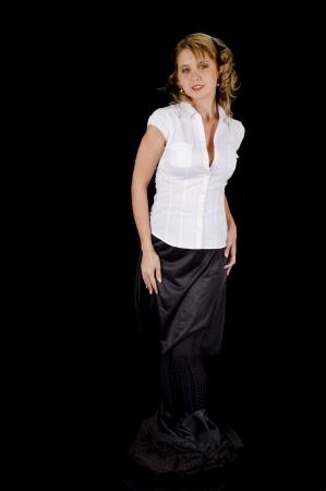 Une femme mignonne et fraîche au visage jeune enlever sa jupe à carreaux Banque d'images - 14410056
