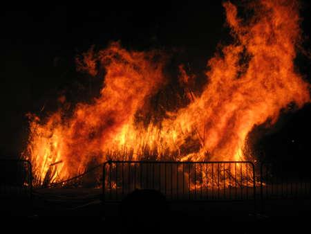 bon: Bon Fire