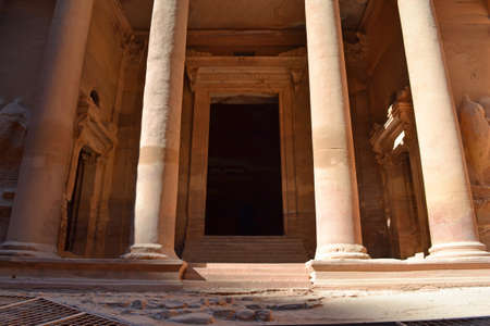 nabatean: The Base of the Treasury