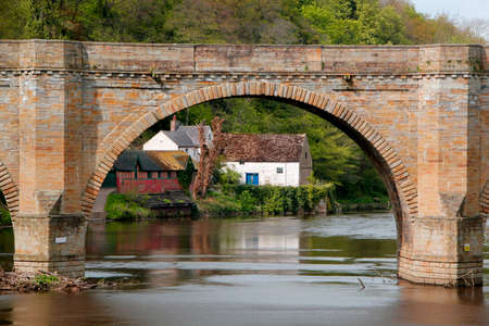 durham: Prebends Bridge in Durham England crosses the river Wear built 1772-1778