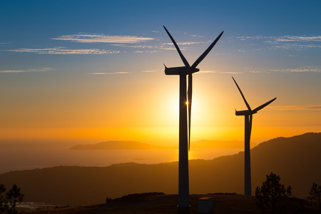 viento: Las energ�as renovables, turbinas de viento en Espa�a Foto de archivo