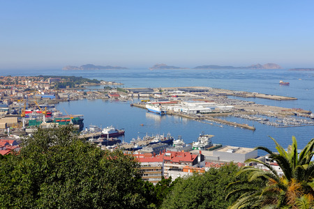 Vue aérienne de l'important port commercial et de pêche de Vigo en Galice, Espagne Banque d'images