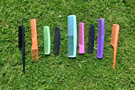 different types of comb in various colors