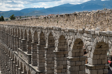 Aqueduct of Segovia one of the Roman works mça represntativas in Espña with a total length of 16 kilometers 에디토리얼