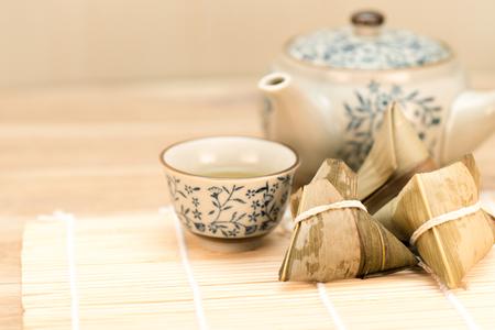 餃子、餃子、伝統的な料理、ライス、Zongzi、伝統的な料理、ごはん
