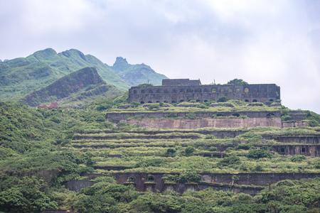 Vestiges de 13 couches (restes de la raffinerie de cuivre) Vue aérienne dans la mer de Yinyang de Shuinandong, district de Ruifang, New Taipei, Taiwan.