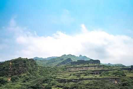 Vestiges de 13 couches (restes de la raffinerie de cuivre) Vue aérienne dans la mer de Yinyang de Shuinandong, district de Ruifang, New Taipei, Taiwan. Banque d'images