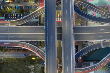 Traffic Circle roundabout Aerial View, Traffic concept image, traffic circle roundabout bird's eye night view use the drone in Taipei, Taiwan. 版權商用圖片