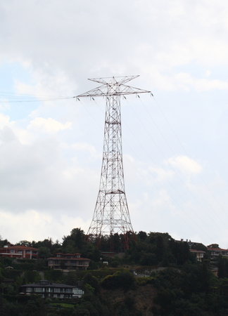 torres el�ctricas: Fondo Pilones en el cielo Foto de archivo