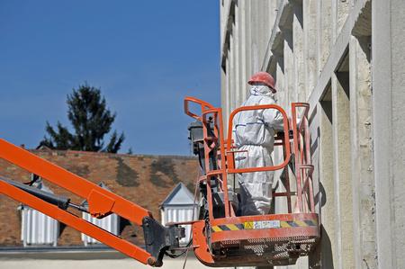 worker in boom lift