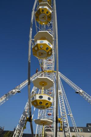 Ferris wheel nacelles