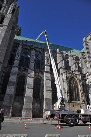 work on the cathedral of Chartres
