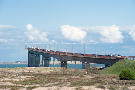 access bridge to the island Re