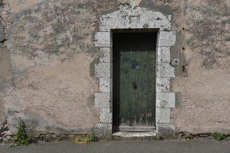 wooden entrance door Фото со стока
