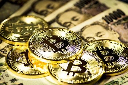 Bitcoin and 10000 Yen bills