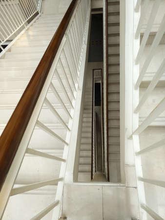 건물의 계단 케이스보기