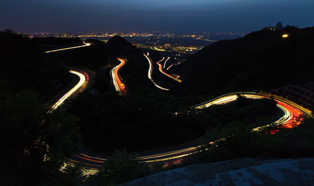 winding mountain road Banco de Imagens