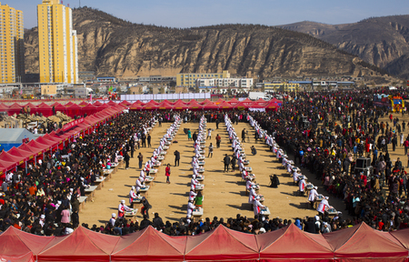 Northern Shaanxi spring festival at Culture Square 에디토리얼