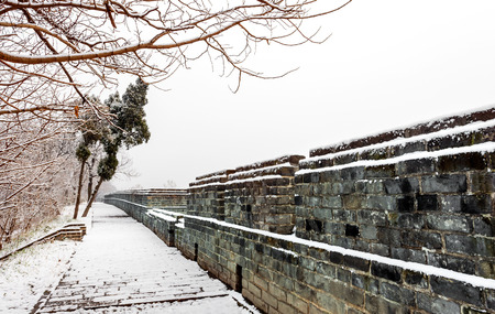 gleams: The winter snow is very beautiful at ancient city wall