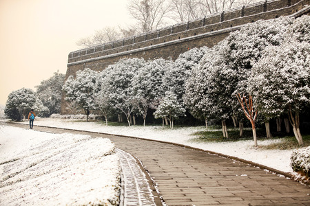 gleams: The ancient city of the winter snow is so beautiful