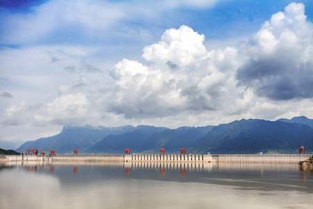 three gorges dam: spectacular scenery of Three Gorges Dam