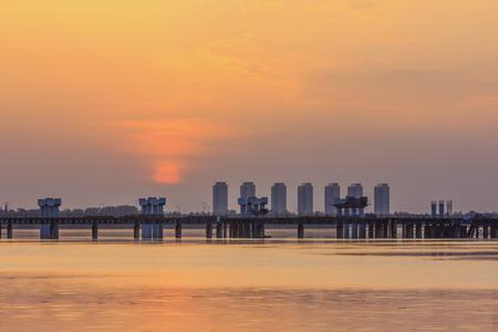 reloj de sol: Puesta del sol paisaje