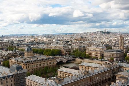 gargouille: Gargoyle on Notre Dame Cathedral, Paris, France Banque d'images