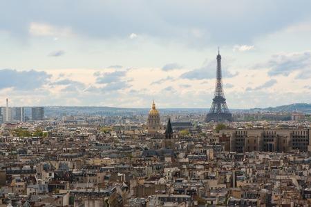 gargouille: Gargoyle sur la Cath�drale Notre Dame, Paris, France.